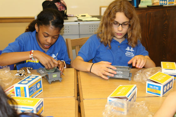 Hudson Scholars learn about starting their own business during this academic program.